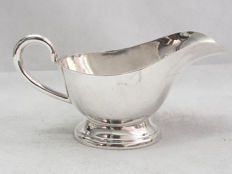 Fine Quality Small Sauce Jug Made By Walker & Hall c. 1930