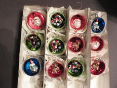 12 solid glass Christmas baubles - in good condition