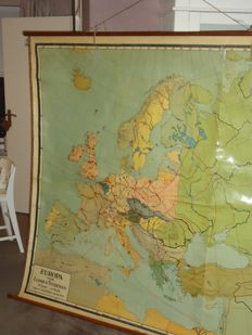 Large wall map of Europe (just after the first world war)