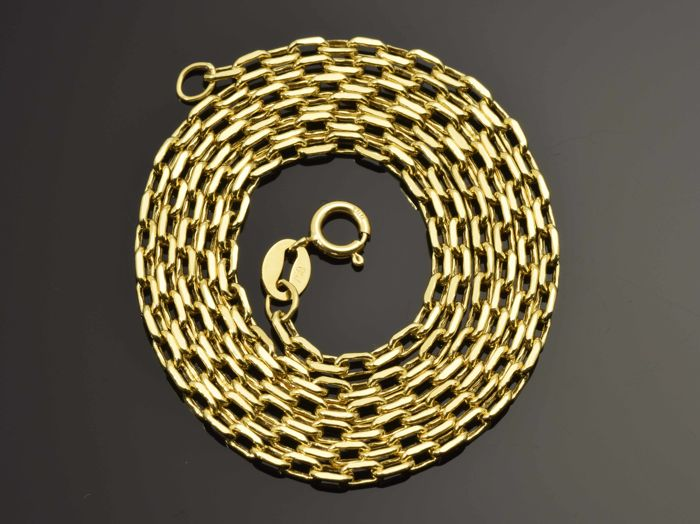 18k Gold Necklace. Chain - 50 cm. Weight 2.84 g.