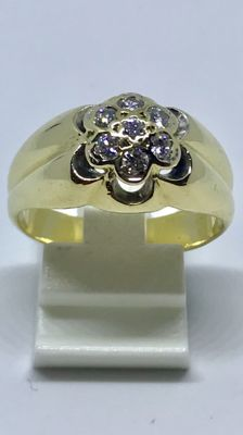 18 kt Gold men's ring with approx. 0.35 ct brilliant cut diamonds - Ring size 19.5 (61)