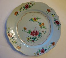 Famille Rose plate - China - 18th century
