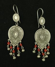 Antique handmade silver earrings with rattles - Afghanistan, mid 20th century
