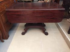 Drop leaf extendable dining table in mahogany - 19th century