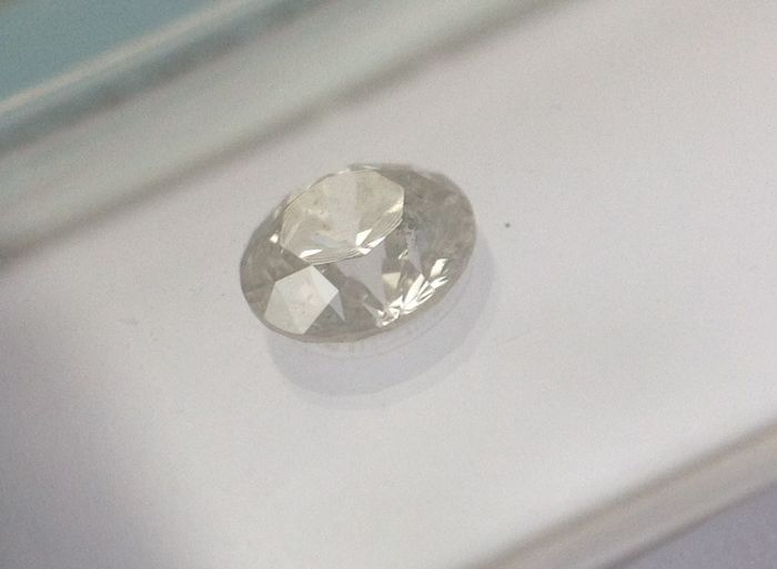 Diamant - 0.30 ct - Brillant - J - I1, NO RESERVE!
