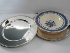 Six silver plated under plates with the pearl rim pattern, late 20th century