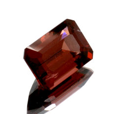Red garnet - 2.10 ct  No reserve price