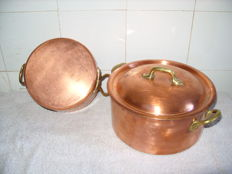 Two real French copper stews, E. Dehillerin Paris