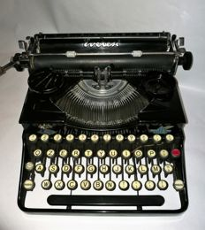 Rare typewriter Everest mod. 44 of 1935