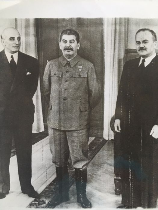 Unknown / AP - Joseph Stalin at the Kremlin in Moscow, 1943 / Robert Striar (1924-2012) - Nikita Khrushchev in the USA, 1960