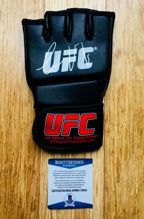 Connor McGregor - Authentic & Original Signed Autograph in a MMA Boxing Glove - with Certificate of Authenticity BECKETT