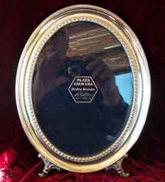 Pedro Durán: an oval shaped silver photo frame of large size - Spain - 20th / 21st century