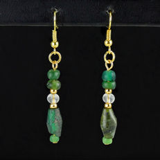 Earrings with Roman green glass beads, including jewellery box