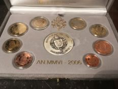 Vatican - Year pack of Euro coins, 2006 including silver medal