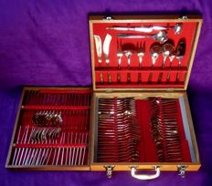Brass cutlery for 8 people in wooden box