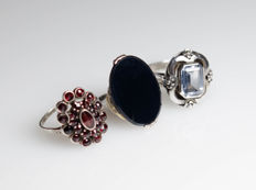 3 antique silver rings with gemstones
