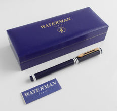Waterman, deep dark blue fountain pen with white collar rings with gold plated nib, in Waterman gift-box