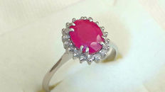 Ring in 18 kt white gold with 1.74 ct ruby and diamonds for 0.18 ct, size 53 (FR), 13 (IT) - Free resizing - no reserve price
