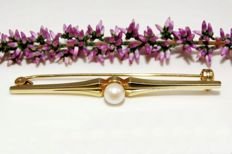 14 kt Gold brooch with Pearl