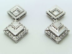 Earring in 18 kt/750 white gold  with VS/SI diamonds totalling 0.45 ct