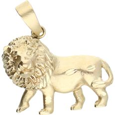 14 kt yellow gold pendant in the shape of a lion - length x width: 3 x 2.5 cm