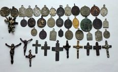 Set of 44 medals and crosses from the 17th century