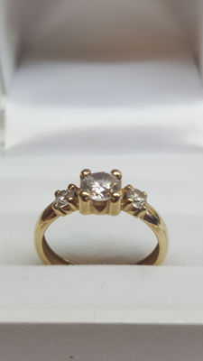 14 kt yellow gold women's ring set with zirconia, ring size 16