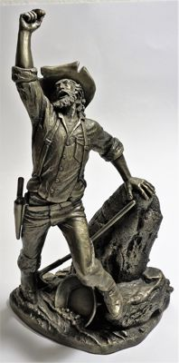 "Sculpture of ""The prospector"" from Franklin Mint"