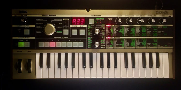 Analogue Modelling Synthesizer with Vocoder - KORG microKORG (portable and  compact) - Catawiki