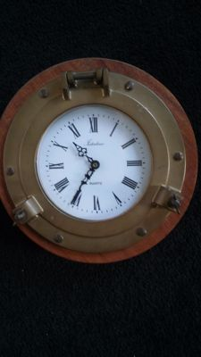 Beautiful large porthole clock - 20th century