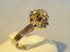 Antique 14 kt white gold ring with full brilliant cut diamond