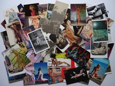 Post cards; Lot with 110 erotic postcards in colour/black and white - 1950/2012