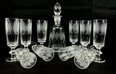 Saint Louis, set of 11 pieces in cut and chiselled crystal