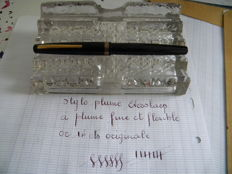 """Superb black fountain pen """"Eversharp"""" in mint condition with a 18-ct gold semi flexible nib from the 40/50s."""