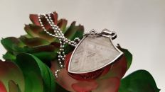 Muonionalusta Meteorite pendant, with clear Widmanstatten structure and Sterling Silver necklace - 3.3 x 2.2 x 0.3cm.