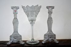 Pack of 2 glass candlesticks and glass chalice