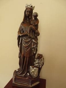 Fabulous heavy statue of Mary with child