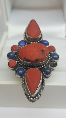 925 Silver, handmade women's ring set with precious coral and lapis, antique! **No reserve**