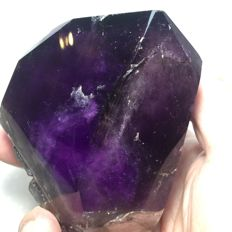 Large polished violet Amethyst crystal -  10 x 9 x 7 cm -    569gr