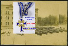 1 rst class Mother's cross in Gold with ribbon - Mutterkreuz in Gold mit Band