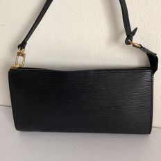 Louis Vuitton - Epi leather - Clutch