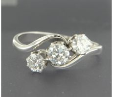 14 kt white gold ring set with three old Amsterdam cut diamonds