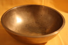 "Antique hand-hammered ""Singing bowl"" - Nepal/Tibet - first half of the 20th century"