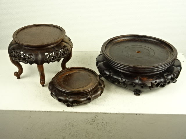 Three Wood Vase Stands China Late 19thearly 20th Century Catawiki