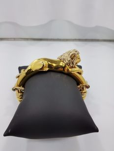 18ct Yellow Gold Italian Bangle with Lion on Top, Length 60mm