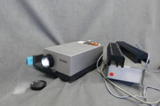 Rollei slide projector Type P350 AF Lamp 24 volts 150 watts Lens Heidosmat 2.8/85 mm fully automatic and manual operation, lens cap - cable + remote control