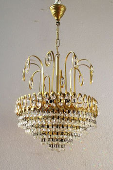 Crystal Hollywood Regency style Chandelier, mid 20th century