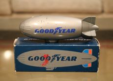 Vintage Goodyear Zeppelin flesje met aftershave in doosje