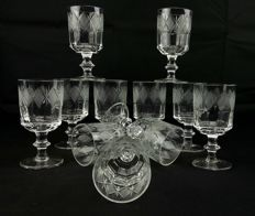 Saint Denis, lot of 11 glasses made with cut and chiselled crystal