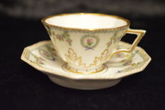 Nymphenburg, splendid place setting cup with porcelain saucer